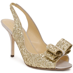 golden and sparkly wedding shoes | weddinggawker
