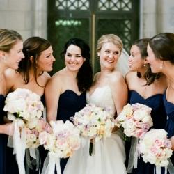 classic navy and cream wedding | weddinggawker