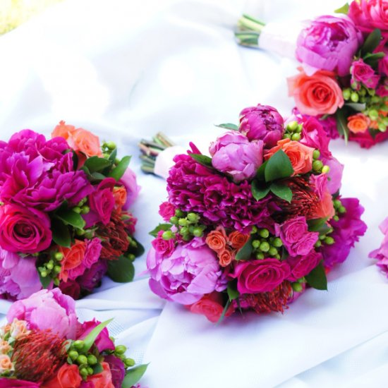 Hot pink wedding flowers weddinggawker hot pink wedding flowers mightylinksfo