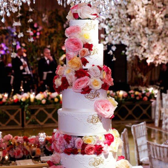 Decorating Cake with Fresh Flowersfresh flower wedding cake gallery   weddinggawker. Fresh Flower Wedding Cakes. Home Design Ideas