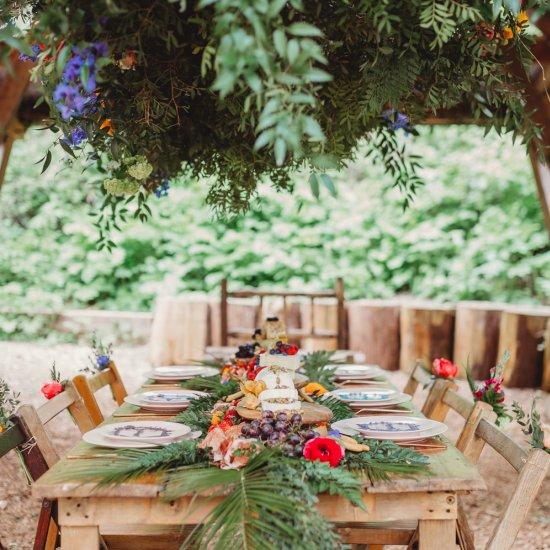 colorful woodland wedding ideas | weddinggawker
